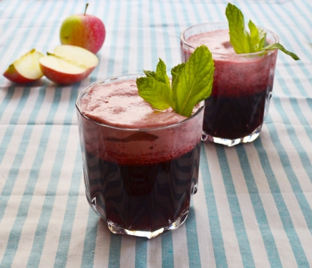 Iced apple hibiscus tea