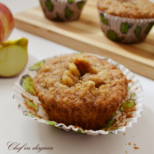 how to make date and walnut muffins