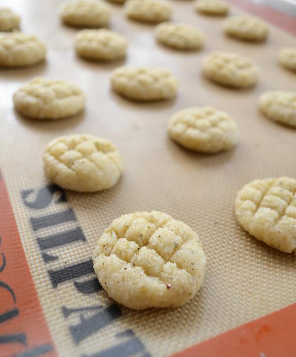 Indian cardamom cookies