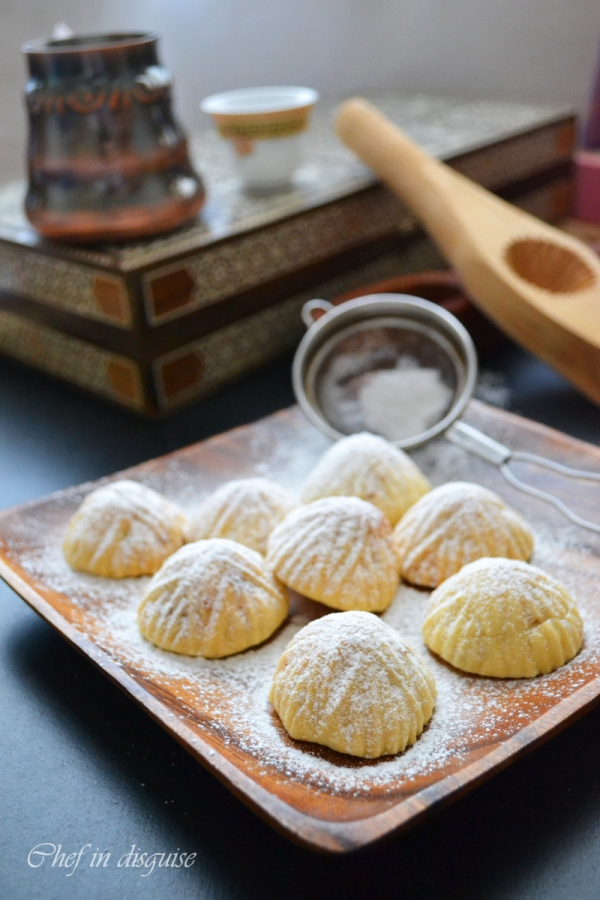 Chef in disguise :walnut maamoul