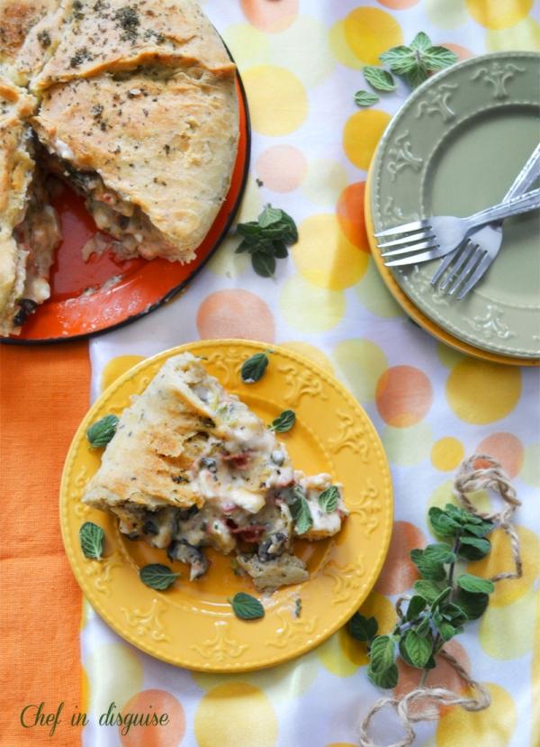 Vegetarian Mediterranean Pizza Pot Pie | Chef in disguise