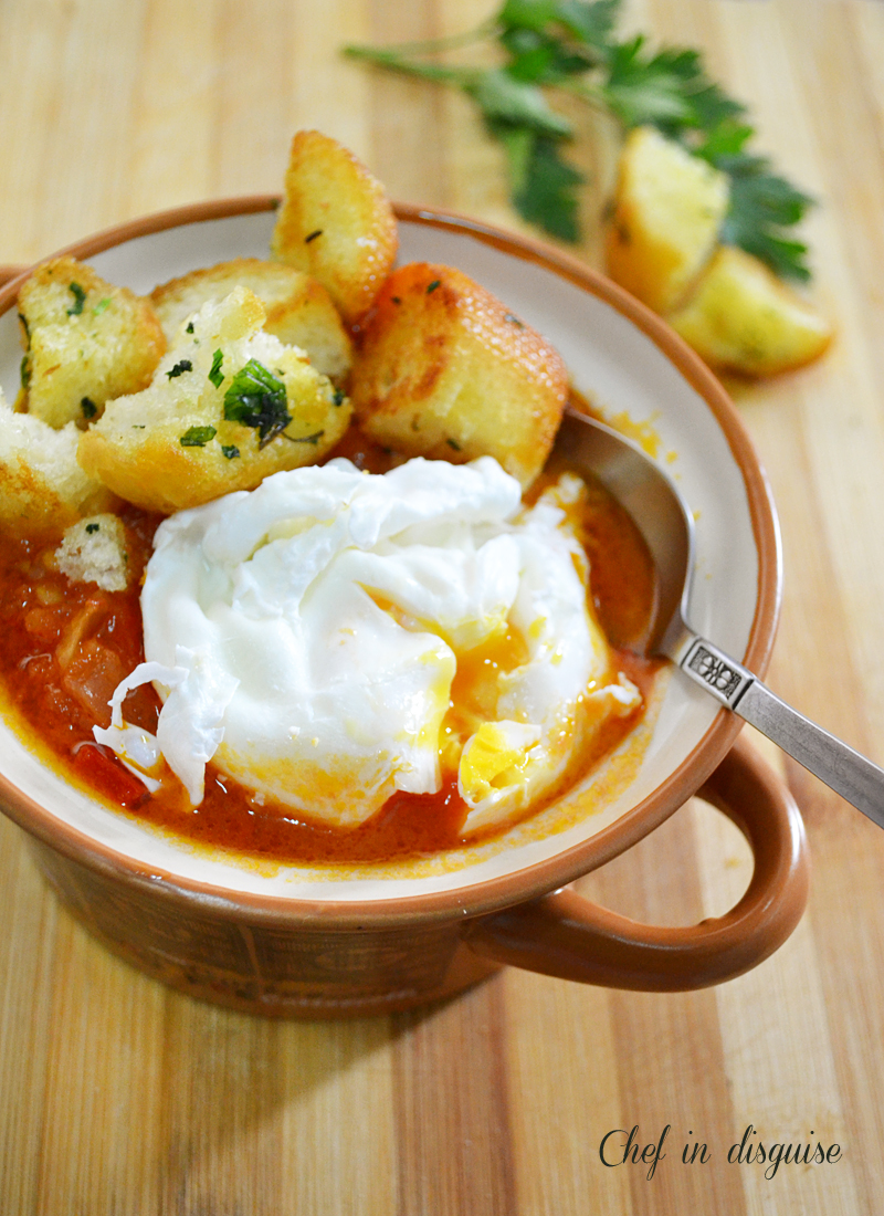 Tomato soup with poached eggs chef in disguise - Sopa castellana youtube ...