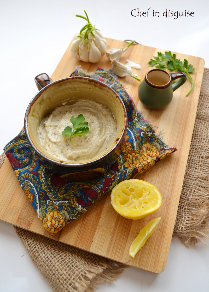 Creamy tahini salad dressing