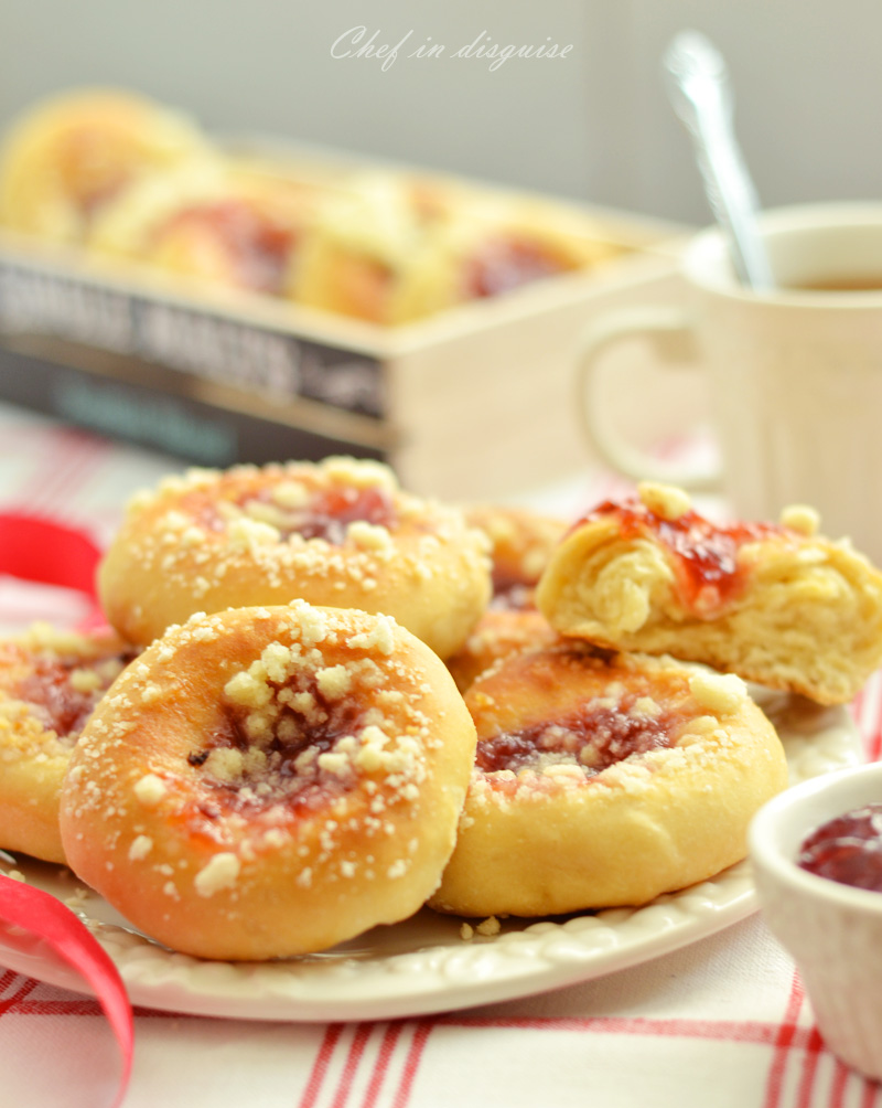 kolaches with plum filling