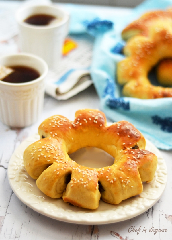 Date bread ring- Chef in disguise