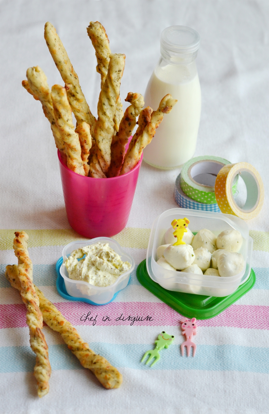 Cheese and zaatar sticks