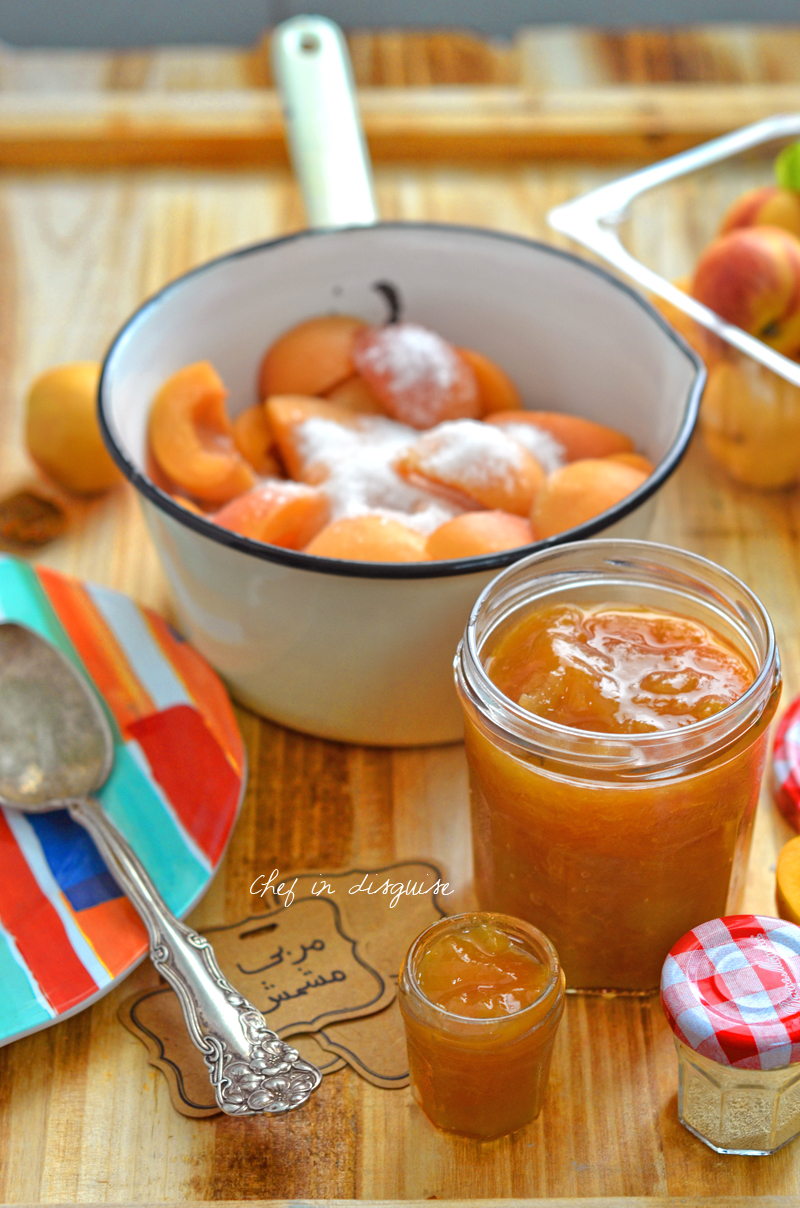Apricot jam from scratch