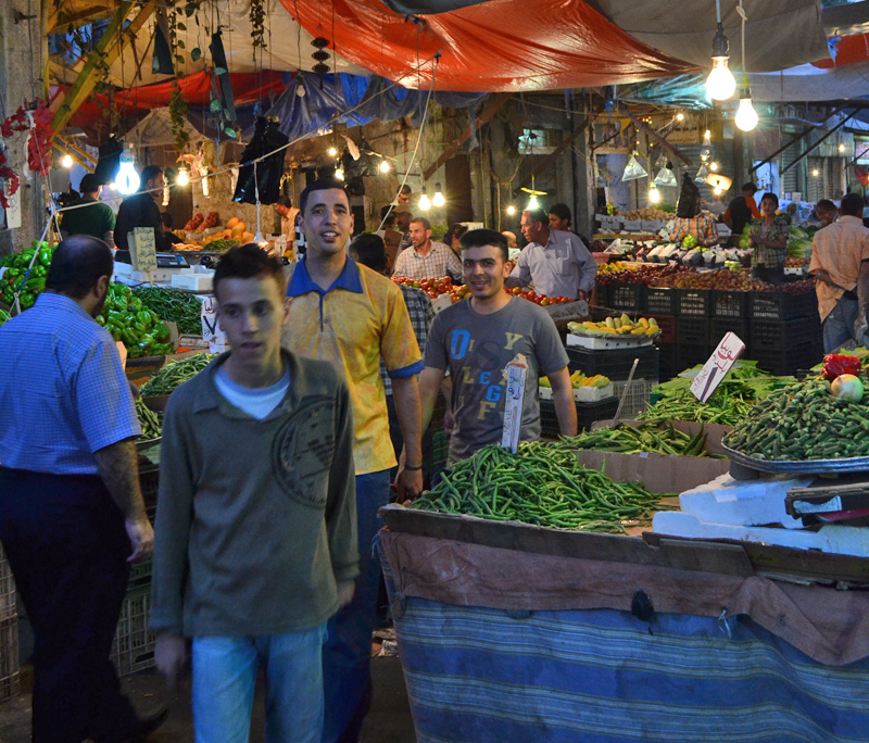 Fruit-and-vegetable-market