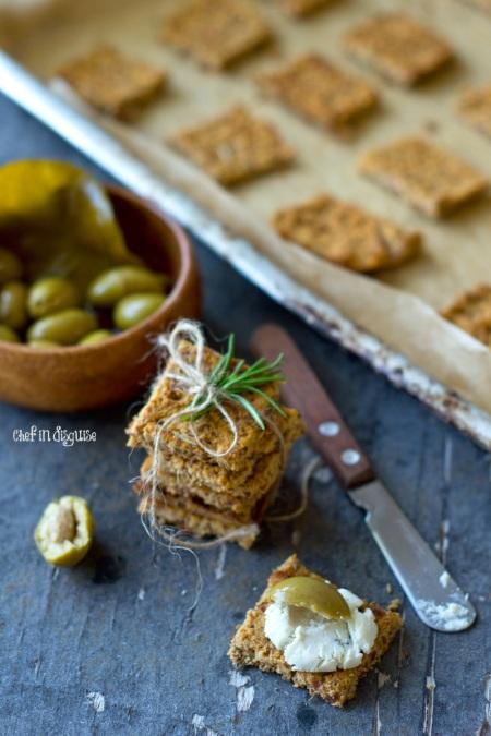 almond-pulp-crackers
