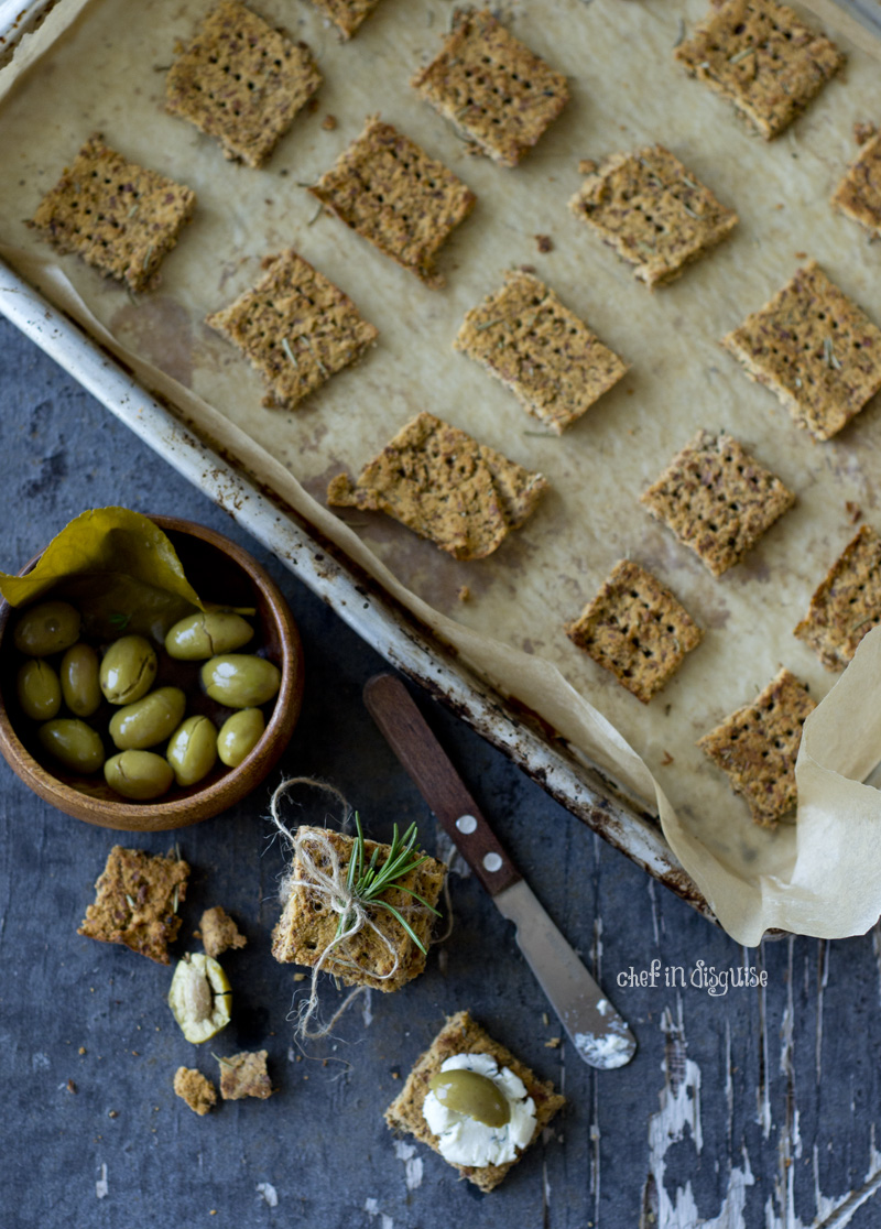 Almond-pulpp-crackers-paleo-vegan-and-gluten-free.jpg
