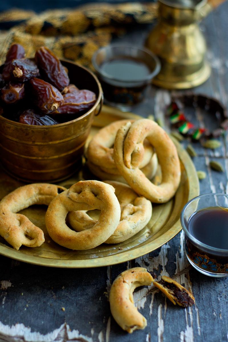 Palestinian-date-cookies.jpg