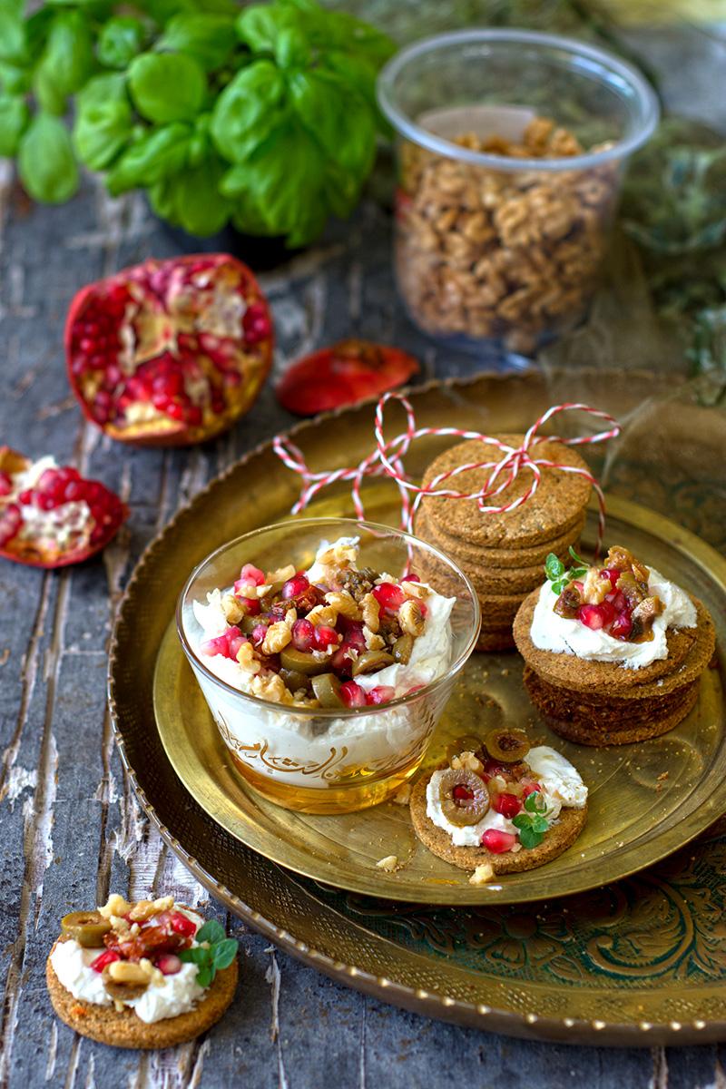 Olive oat cakes.jpg