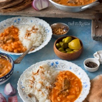 Middle eastern white bean stew (fasoolia baida)