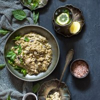 Creamy freekeh with chicken and mushrooms